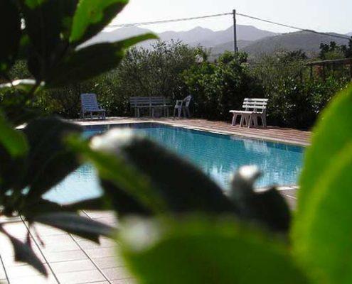 residence con piscina budoni