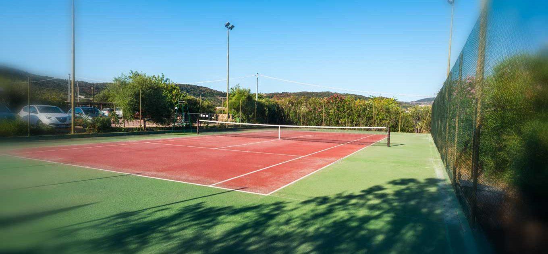 residence-budoni-con-campo-da-tennis